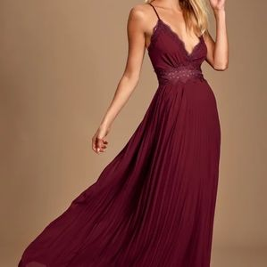 Burgundy Lace Pleated Backless Gown